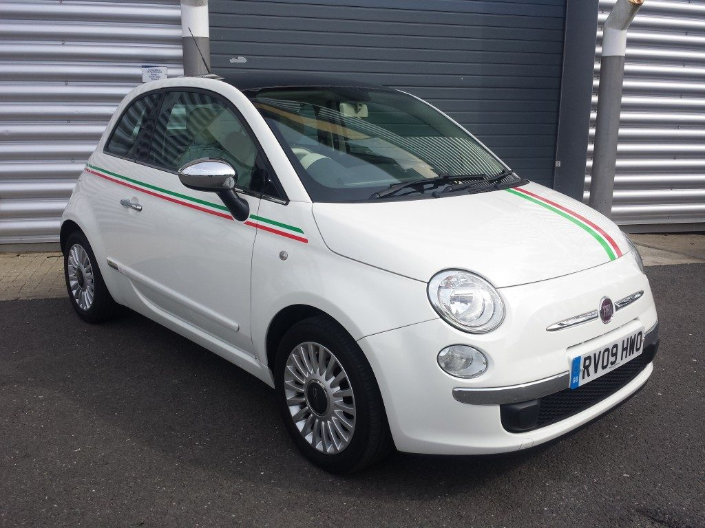 fiat 500 lounge 1 2 3dr 2009 for sale aspinall cars used cars epsom creating higher dealer. Black Bedroom Furniture Sets. Home Design Ideas