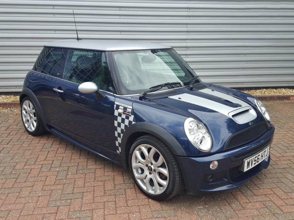 mini cooper s checkmate 1 6 3dr 2006 for sale aspinall cars used cars epsom creating. Black Bedroom Furniture Sets. Home Design Ideas