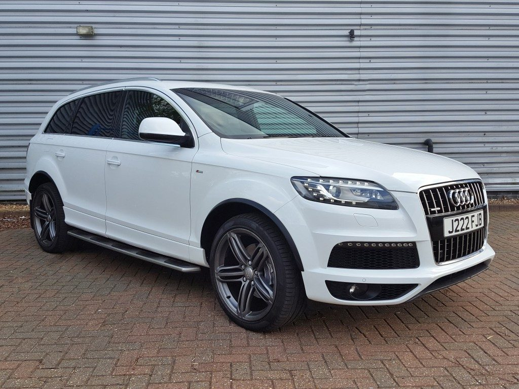 audi q7 tdi s line quattro 3 0 5dr 2010 for sale aspinall cars used cars epsom creating. Black Bedroom Furniture Sets. Home Design Ideas
