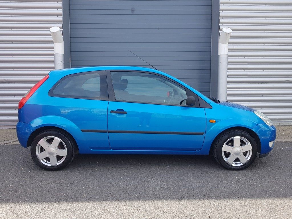 ford fiesta zetec 1 4 3dr 2005 for sale aspinall cars used cars epsom creating higher. Black Bedroom Furniture Sets. Home Design Ideas